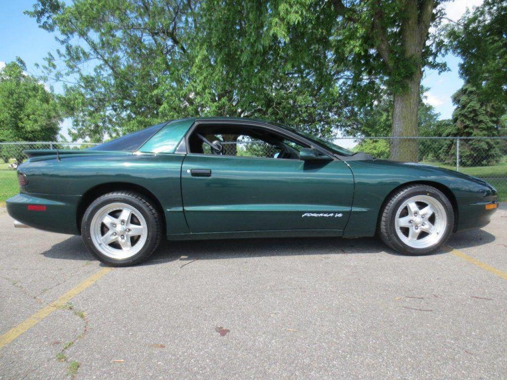 1994 Pontiac Firebird in excellent condition