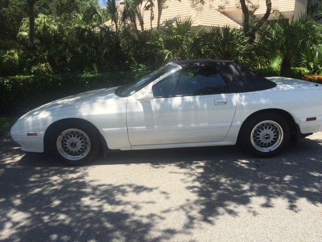 1990 Mazda RX-7 Collectors Convertable car